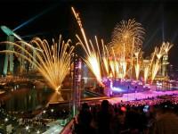 Фейерверк на открытии Юношеских Олимпийских игр в Сингапуре
