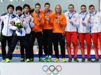 Голландские конькобежцы выиграли командную гонку